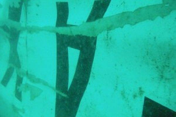 Nájdená časť chvostu lietadla AirAsia.