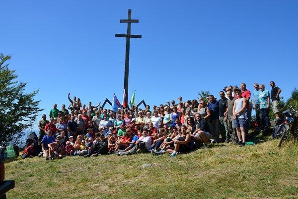 Spoločná fotografia časti účastníkov.