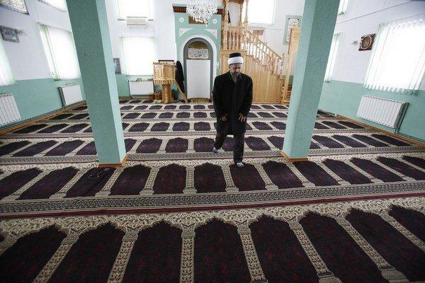 Bosniaci majú podľa Beganoviča svoj džihád aj doma – nezamestnanosť či nízke dôchodky.