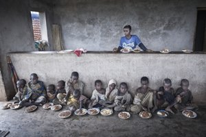 Také tiché deti som nikde inde nevidel, spomína si Ivan Holub na stanicu, kde rozdávali jedlo chudobným.