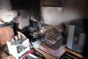Pri požiari zomrel človek.