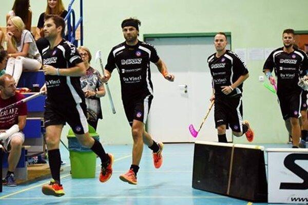 Florbalisti AS Trenčín sú bez prehry aj po 4. kole.