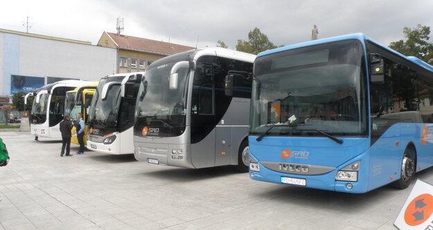 Takéto sú dnes autobusy, ktoré jazdia na hornej Nitre.