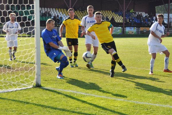 Oravské derby v Nižnej rozhodol jediný gólový moment.