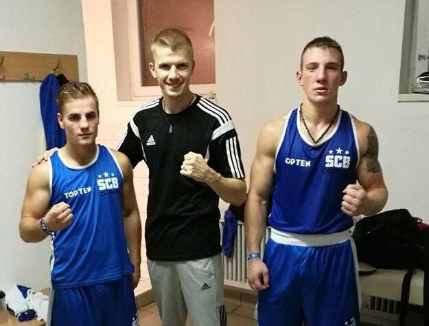 Zsolt Osaďan (vľavo) v drese SCB Ostrava.