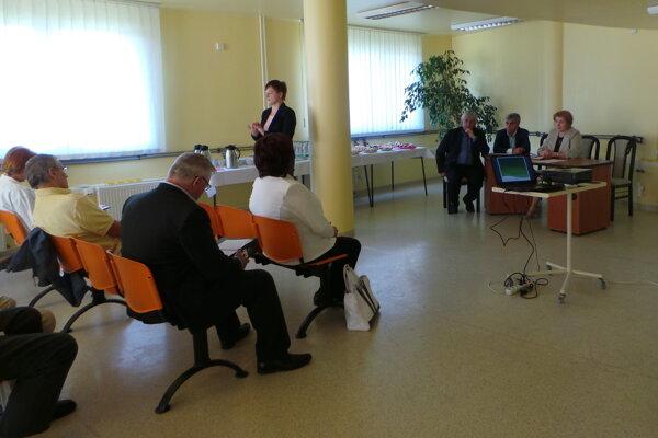 Predstavitelia Žilinského samosprávneho kraja a poslanci jeho zastupiteľstva sa stretli s dialyzovanými pacientmi.