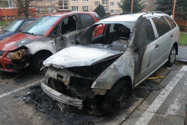 Za posledné obdobie už piaty požiar auta v Prievidzi.