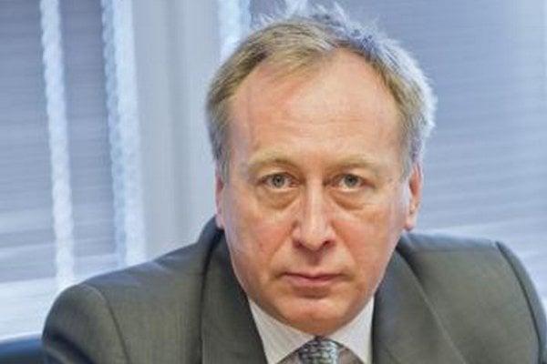 Miroslav Vaďura v minulosti predal pozemok pod heliportom na Kramároch a kúpil predražené CT.