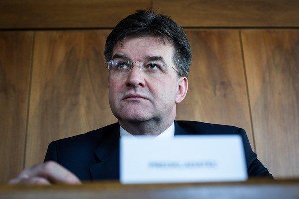 Minister Lajčák v apríli po rokovaní vlády uviedol, že schválenú kandidačnú listinu považuje za kvalitnú a vyváženú.