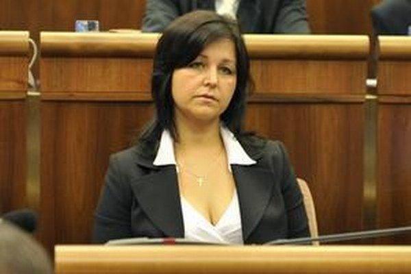 Podpredsedníčka NR SR Erika Jurinová (OĽaNO) v Pőtheovej životopise nevidí skúsenosti potrebné na riadenie úradu.