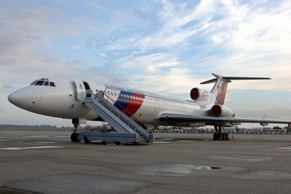 Starý veľký TU-154.