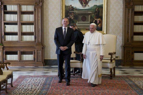 Prezident Kiska sa stretol s pápežom Františkom.
