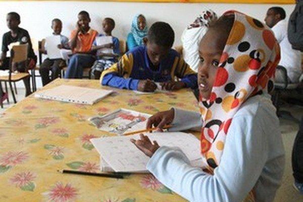 Detský domov je pre deti bez rodičov lepší ako azylový tábor.