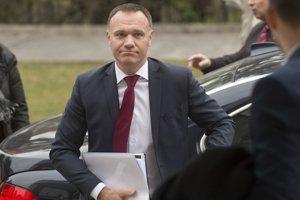 Bývalý minister zdravotníctva Viliam Čislák schválil Pente dotáciu, teraz pre ňu robí.