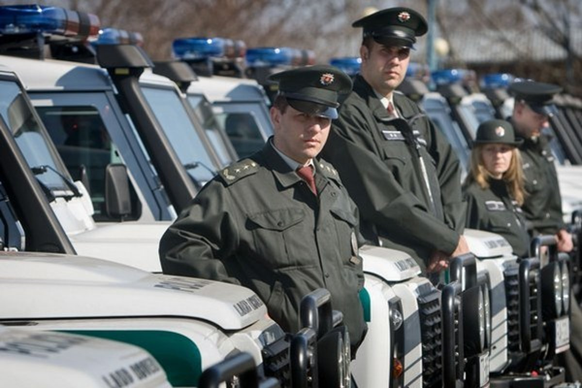 f8b08b370 Policajné uniformy menia, takto budú vyzerať po novom - SME