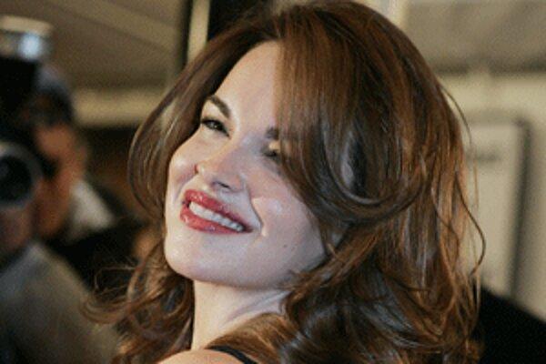 Tammy Blanchard hrá vo filme Bella.