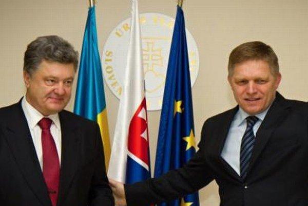 Ukrajinský prezident Petro Porošenko a slovenský premiér Robert Fico.
