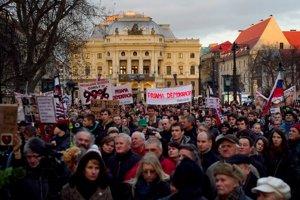 Protest Gorila na bratislavskom Hviezdoslavovom námestí vo februári 2012.