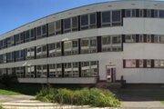 Čadčianske Centrum voľného času je od začiatku školského roka 2016/2016 presťahované v priestoroch ZŠ J.A. Komenského na sídlisku Kyčerka.