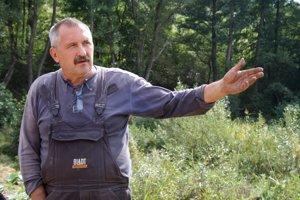 Peter Vrbata, majiteľ chaty v Kocuranoch, upozornil na skládku.