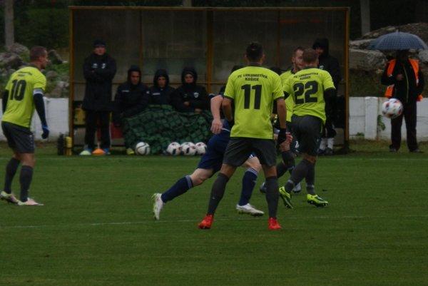 V chladnom počasí odohrali Hrádočania domáce 16-finále Slovnaft Cup-u.