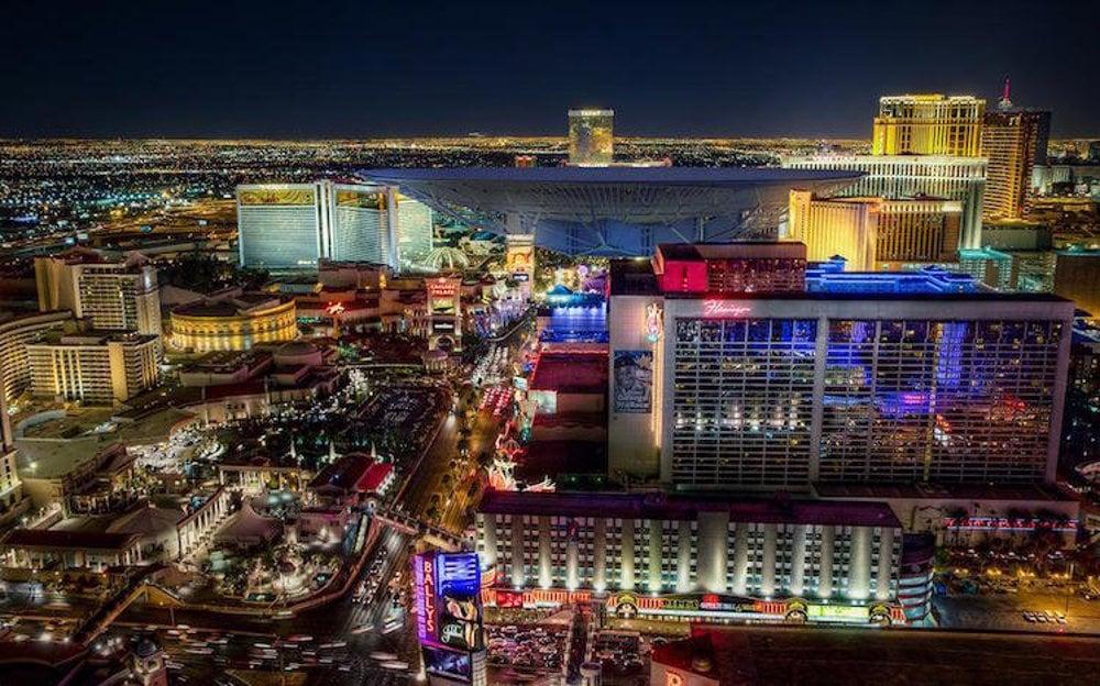 Pri snahe nájsť mimozemský život staviame stále väčšie a väčšie satelity. Najväčší z nich je v súčasnosti čínsky satelit v provincii Guizhou, ktorý má priemer 488 metrov. Keby sme ho postavili do centra Las Vegas, zatienil by polovicu rezortu Mirage, celé hotely LING, Harrah a väčšinu Venetianu.