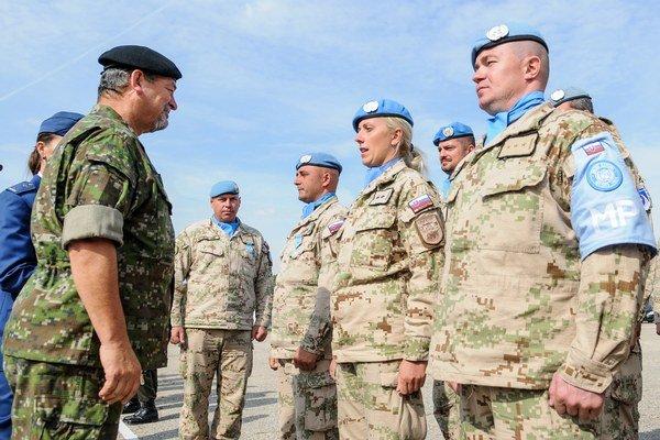 Vojaci počas nástupu po návrate z Cypru.
