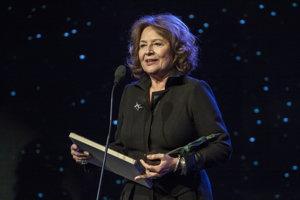 Emília Vášáryová v nedeľu podpísala petíciu proti Erikovi Tomášovi. O nominantke na ministerku nikdy doteraz nepočula.