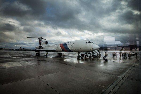 Vládny špeciál Tu-154M.
