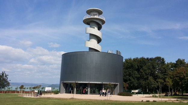 Vyhliadka a múzeum lodenj dopravy v Balatonföldvári.