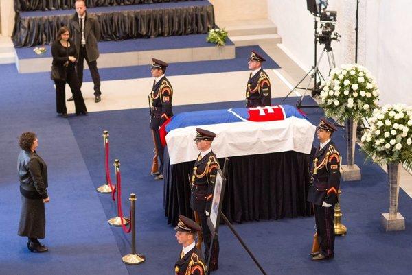 Michala Kováča pochovali s vojenskými poctami