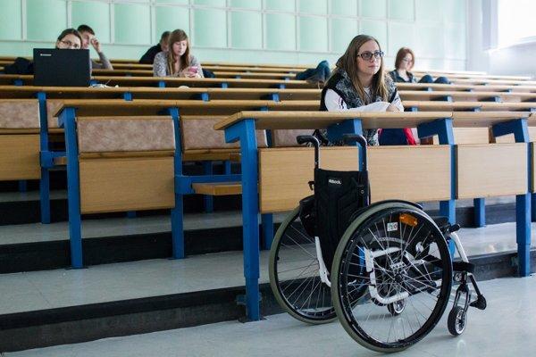 Na prednáške, Ekonomická univerzita v Bratislave.