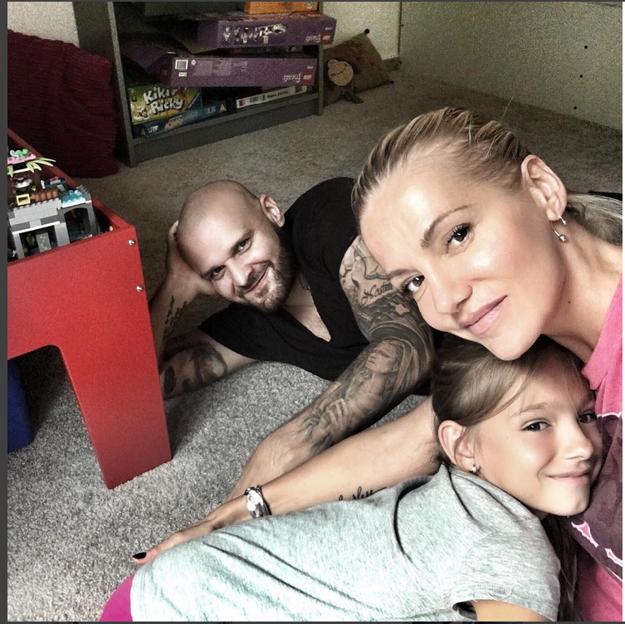 Spokojná rodinka. Na Rytmusa si veľmi rýchlo zvykla aj Darina dcéra Laura.