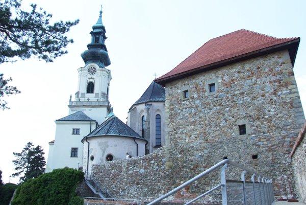 Hojne navštevovanou dominantou Nitry je hrad.