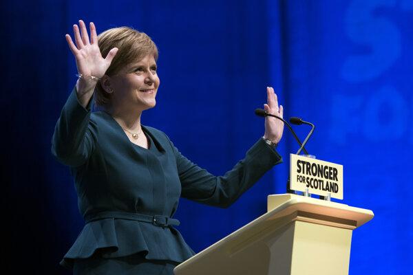 Nicola Sturgeonová sľubuje Škótom nové referendum.