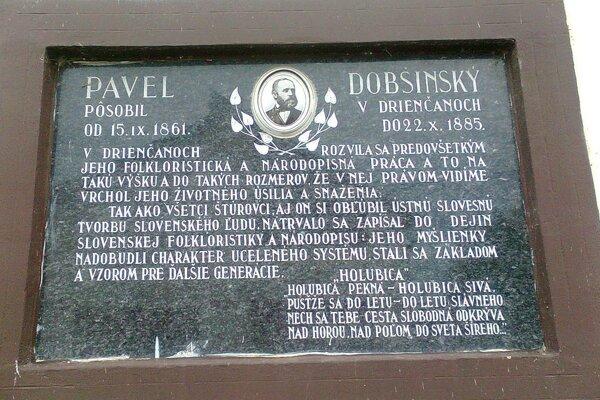 Pamätná tabuľa Dobšinského v Drienčanoch.