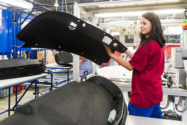 Nový výrobný závod štartuje výrobu  vtomto mesiaci vMalackách
