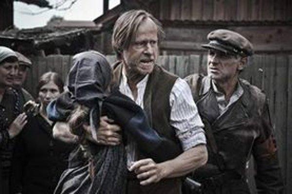 V hlavnej úlohe sa predstaví známy český herec Karel Roden.