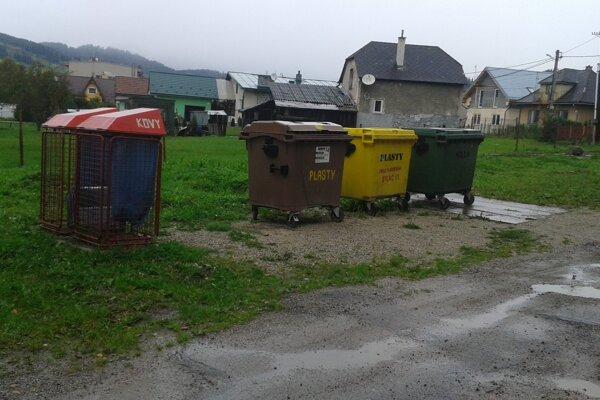 Miesta, kde sa zbiera triedený odpad, budú v Liptovskom Michale vyzerať estetickejšie.