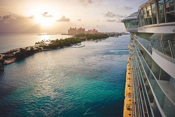 Nassau je populárna zastávka počas plavby výletných lodí v Karibiku.