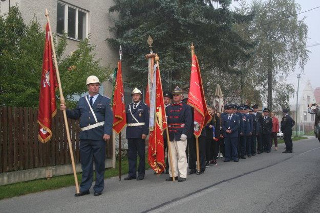 Slávnostný pochod obcou.