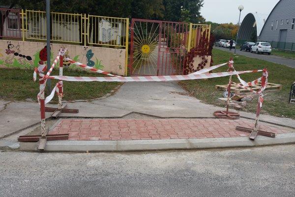 Samospráva na úpravu chodníkov vyčlenila viac ako 9000 eur.