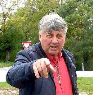Starosta Tibor Kočiš. Nemal radosť z našej návštevy.