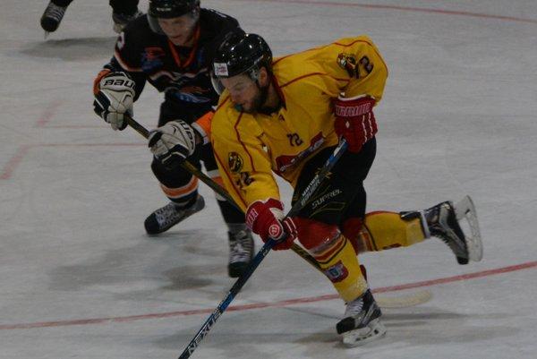 Martin Kalináč strelil dva topoľčianske góly.