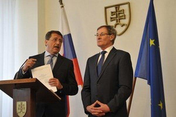 Smer a KDH sa dohodli na úpravách Ústavy.