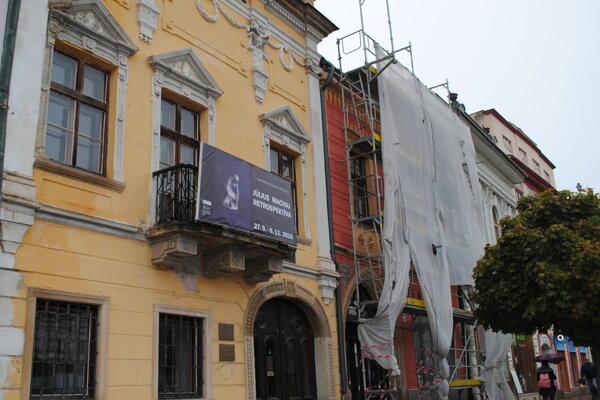 Obnova galérie už mala byť hotová.