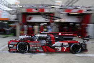 Audi R18 počas tohtoročných vytrvalostných pretekov.