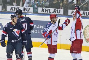 Hráči CSKA sa tešia z výhry nad Slovanom.