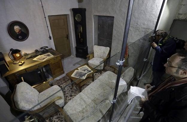 Replika pracovne Adolfa Hitlera z obdobia pred jeho samovraždou.
