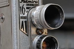 16-milimetrová kamera.